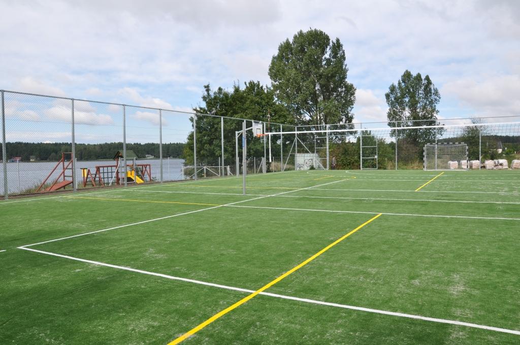 Budowa boiska w Hartowcu
