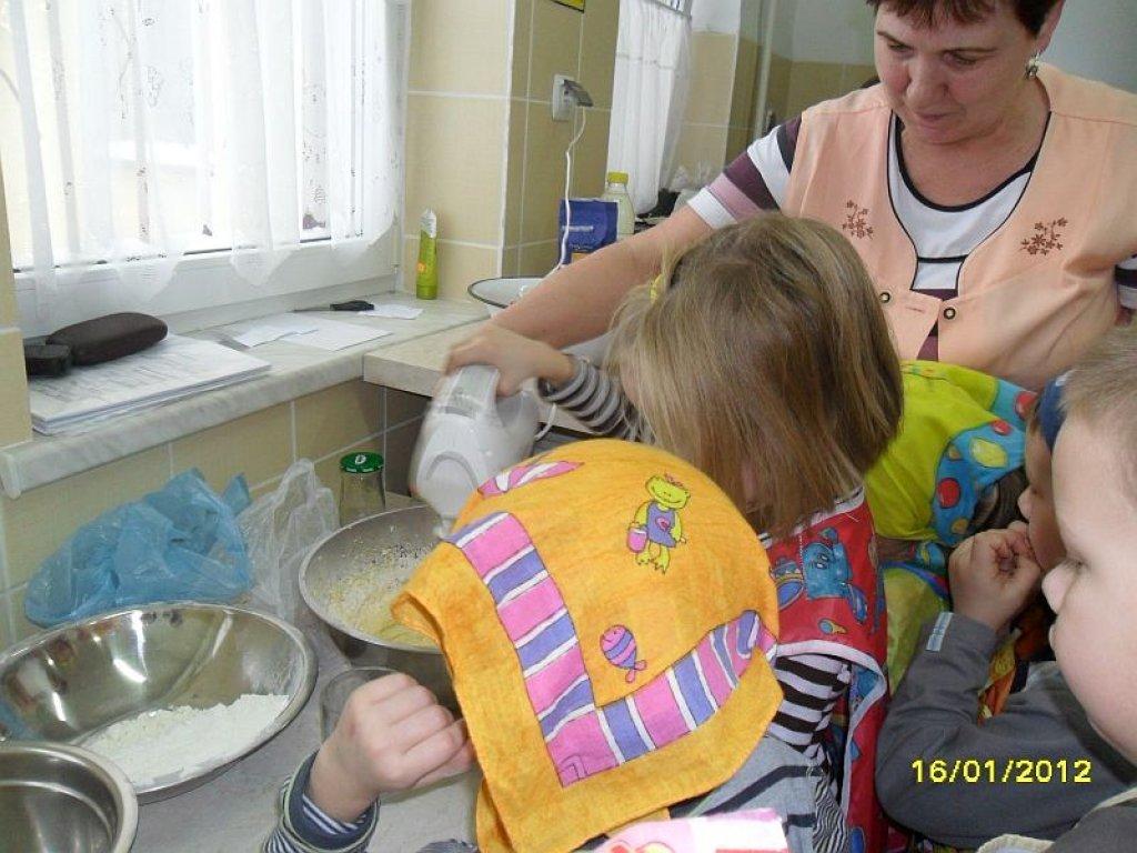 Pieczenie ciast w przedszkolu