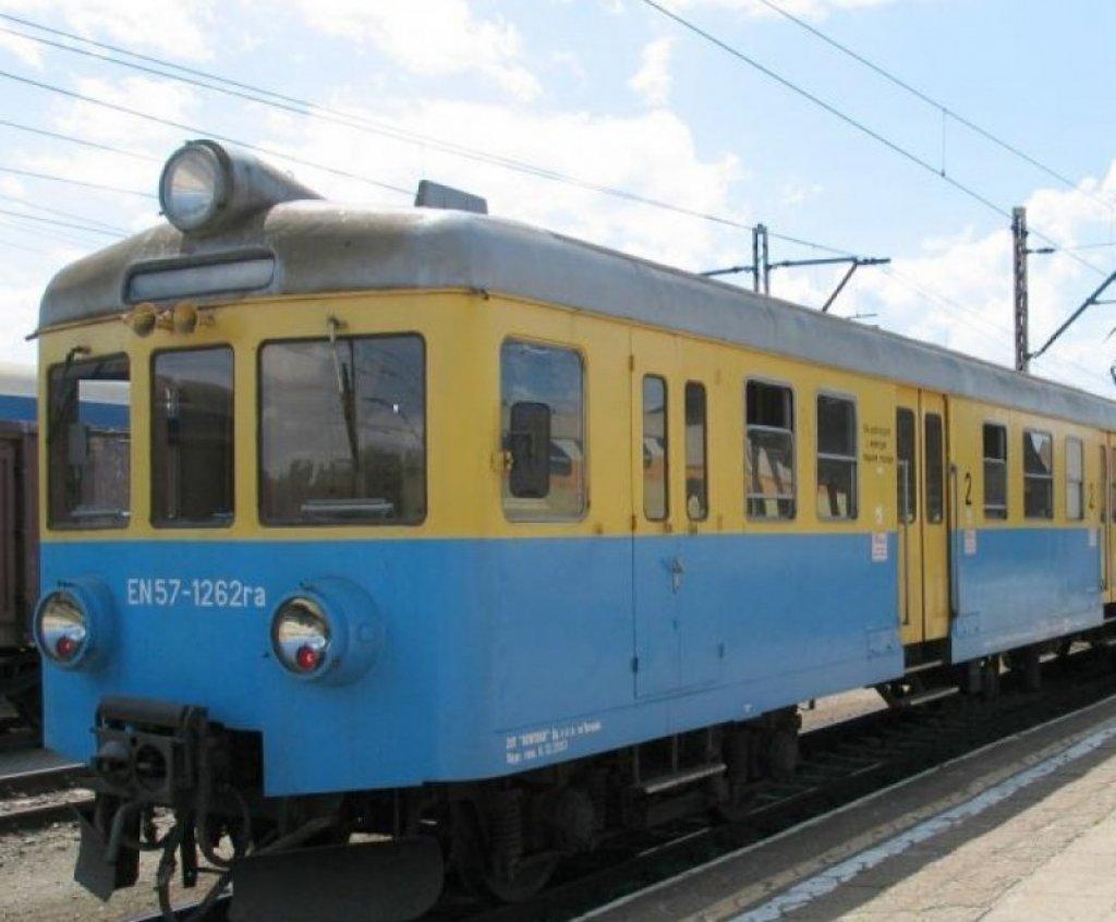Rozkłady jazdy pociągów i busów