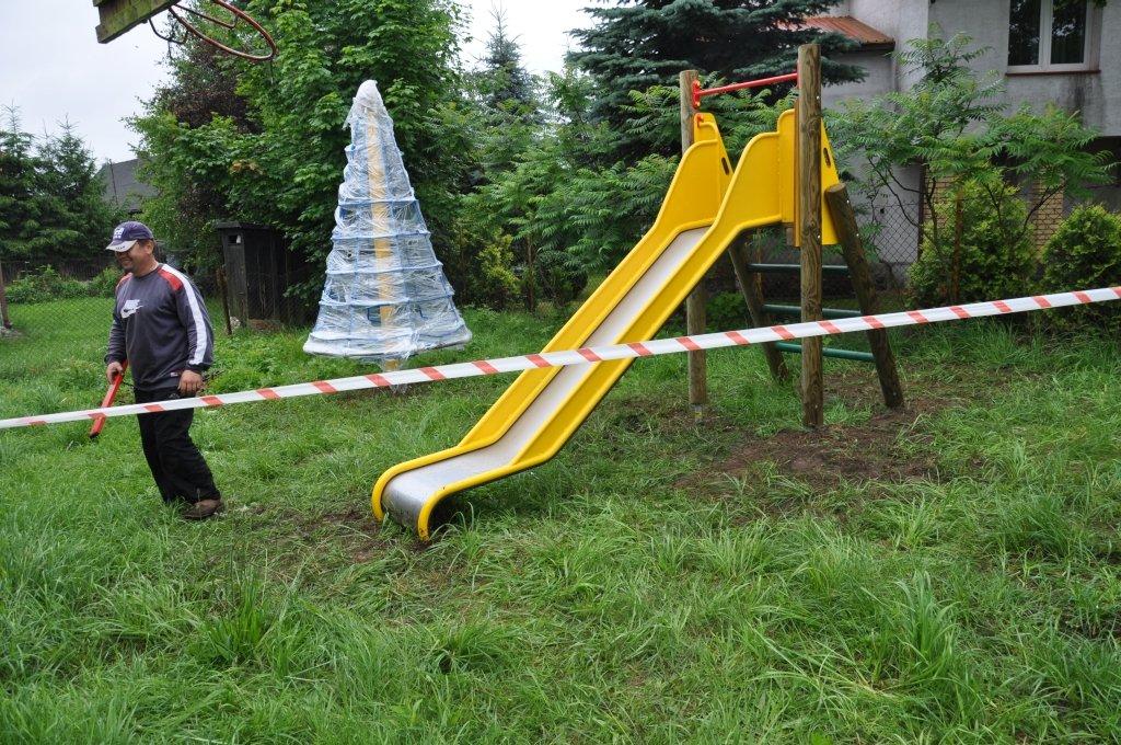 Plac zabaw w Grądach