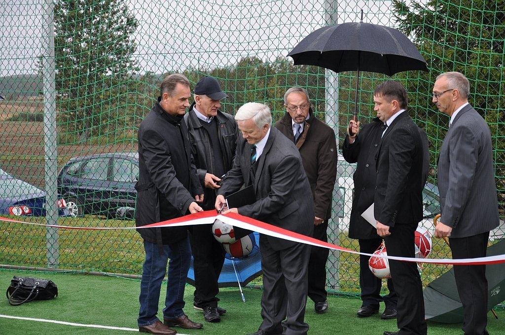 Otwarcie boiska wielofunkcyjnego w Rumianie