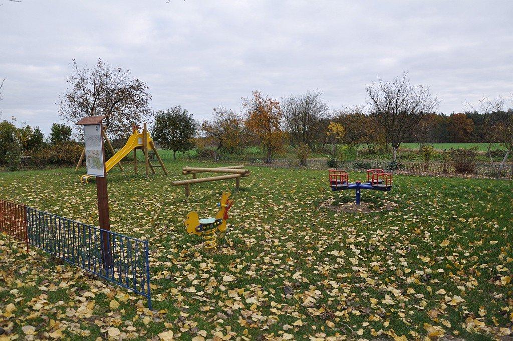 Zagospodarowanie terenu przy świetlicy wiejskiej w Gronowie