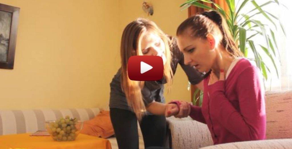 Pierwsza pomoc w przypadku zadławienia - film instruktażowy