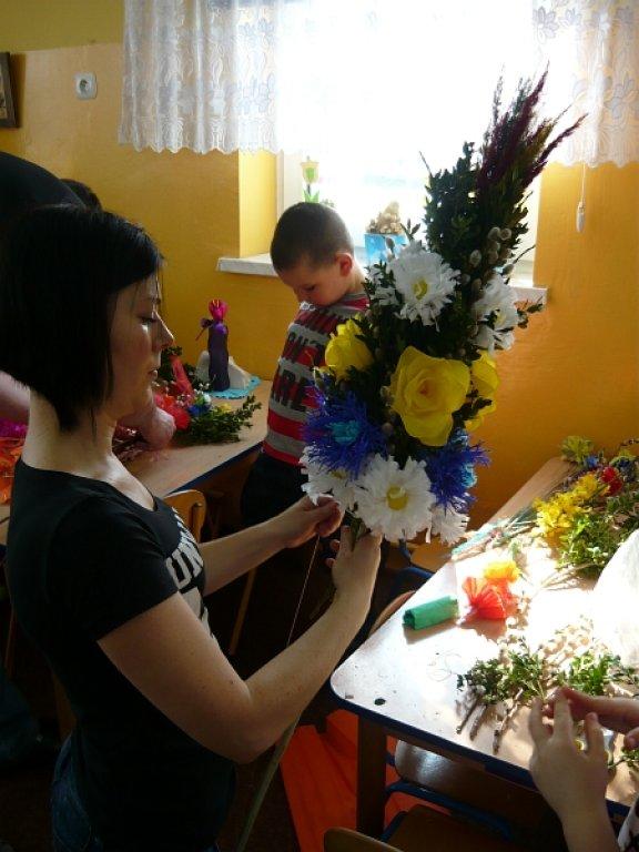 Palmy wielkanocne wykonane przez dzieci z Przedszkola w Rybnie