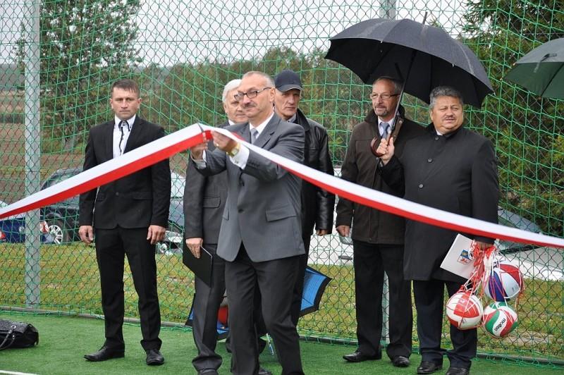 Budowa boiska w Rumianie