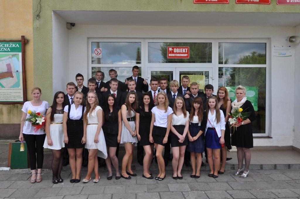 Gimnazjum w Rybnie pożegnało absolwentów