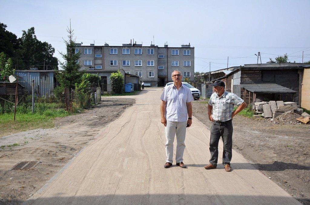 Trwa budowa dróg osiedlowych