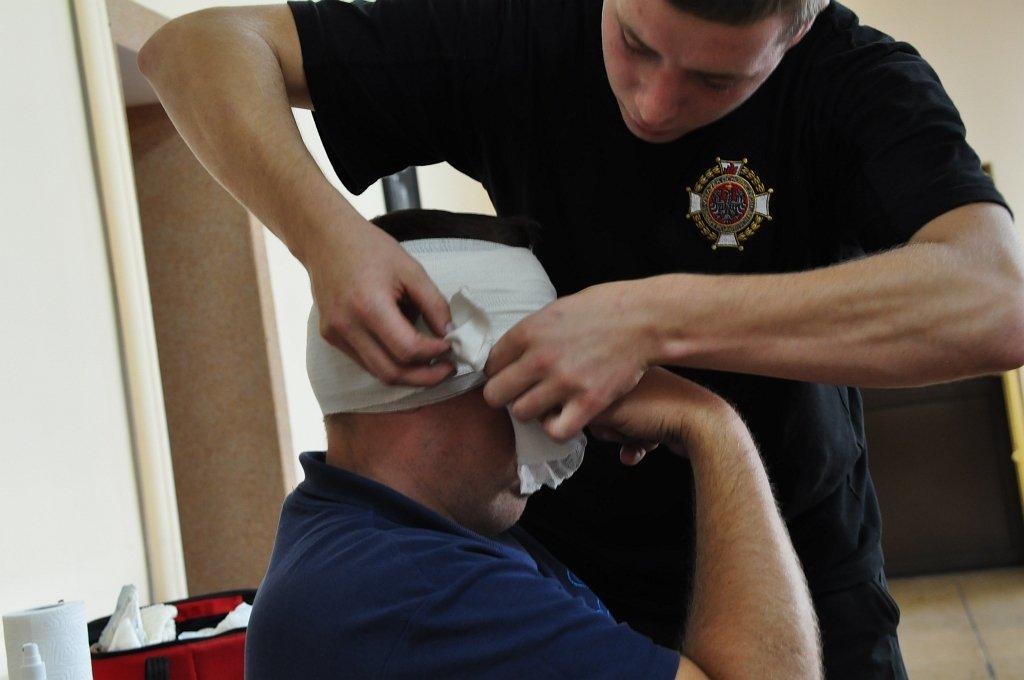 Zakończenie kursu kwalifikowanej pierwszej pomocy