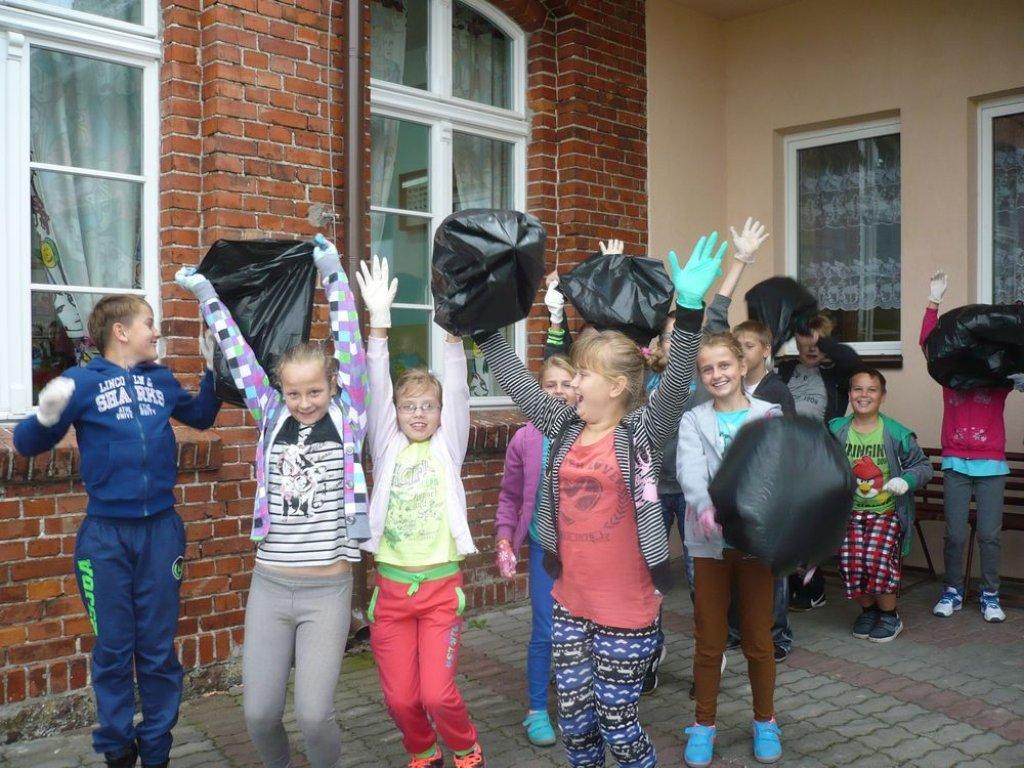 SP Rumian: Sprzątanie świata 2014
