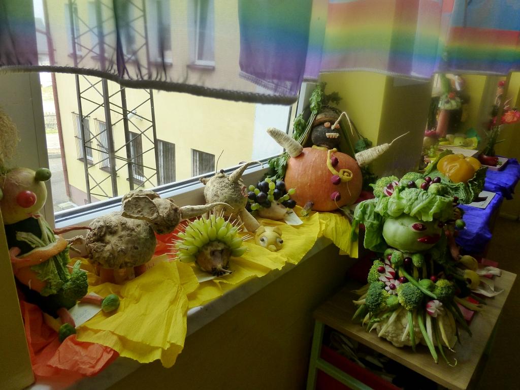 Przedszkolny konkurs na owocowo – warzywną kukiełkę