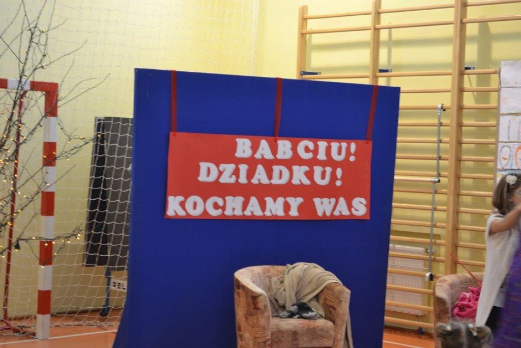 Rumian: Babciu, Dziadku – Kochamy Was!