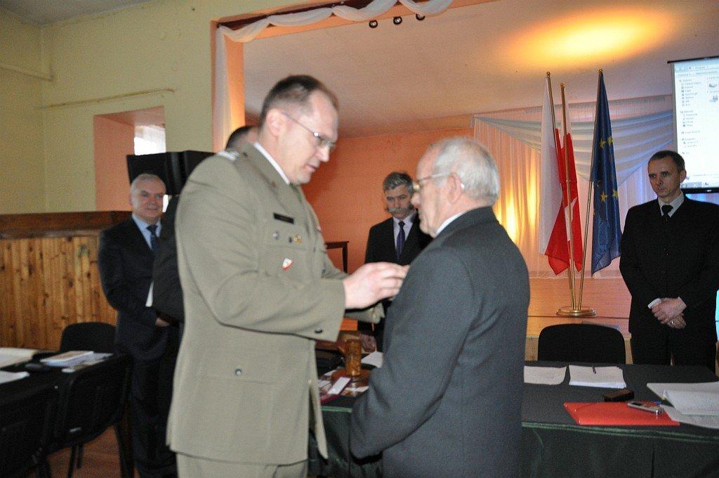 Wacław Karczewski odznaczony na sesji Rady Gminy Rybno