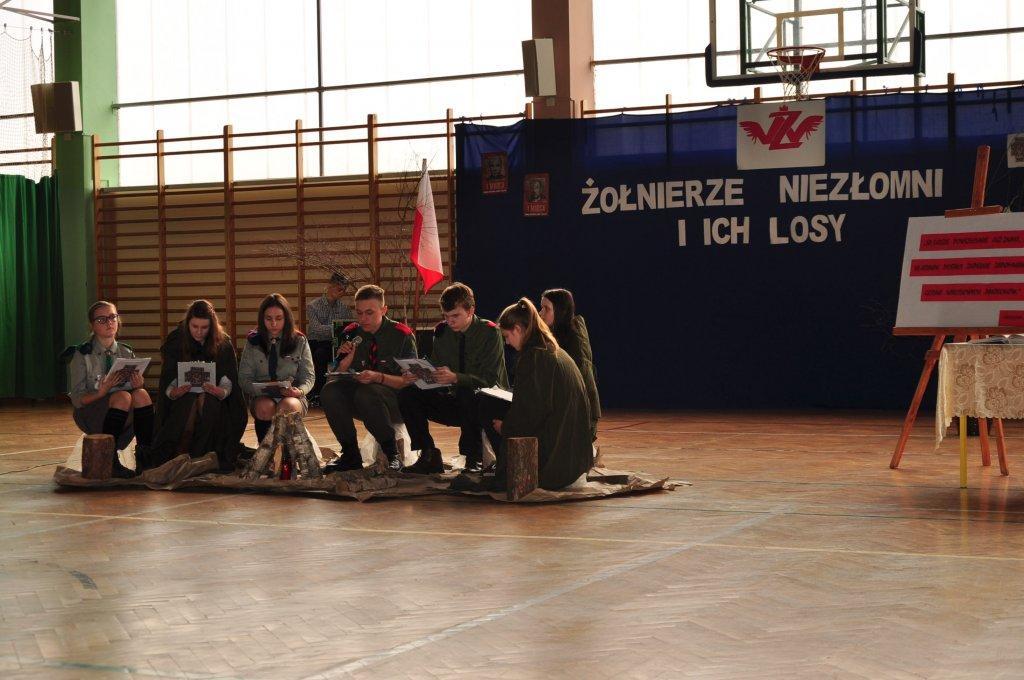 Narodowy Dzień Pamięci Żołnierzy Wyklętych w Zespole Szkół w Rybnie