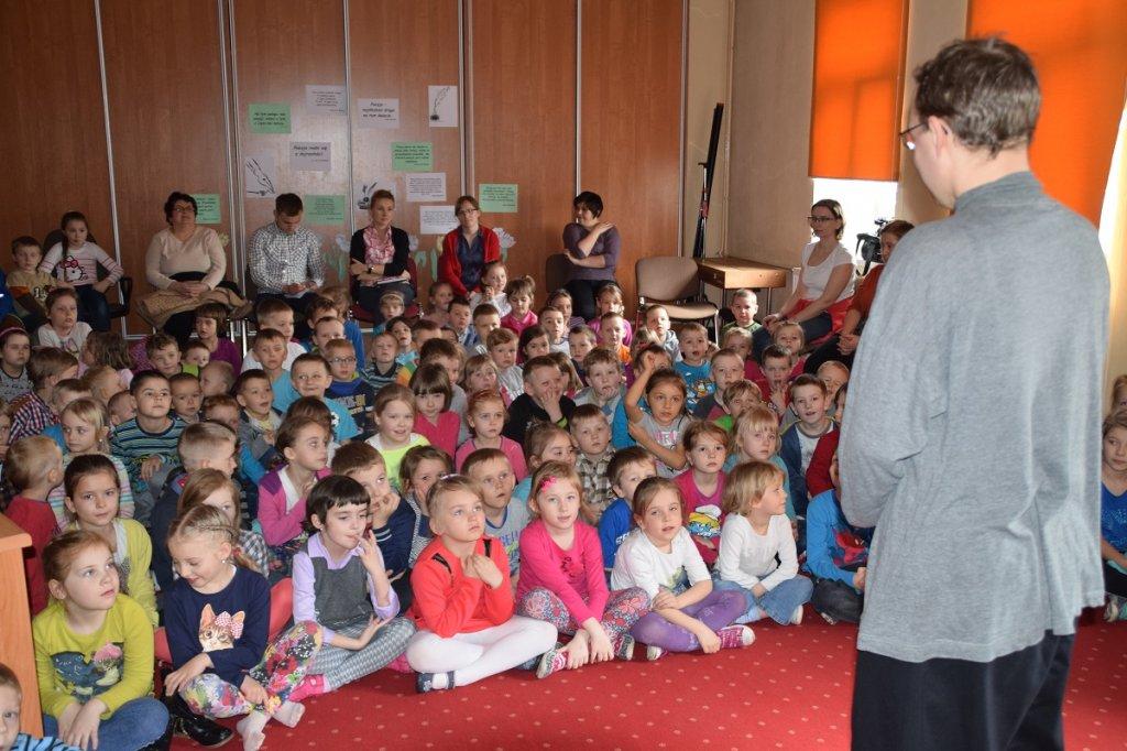 Koziołek Niematołek odwiedził przedszkolaków