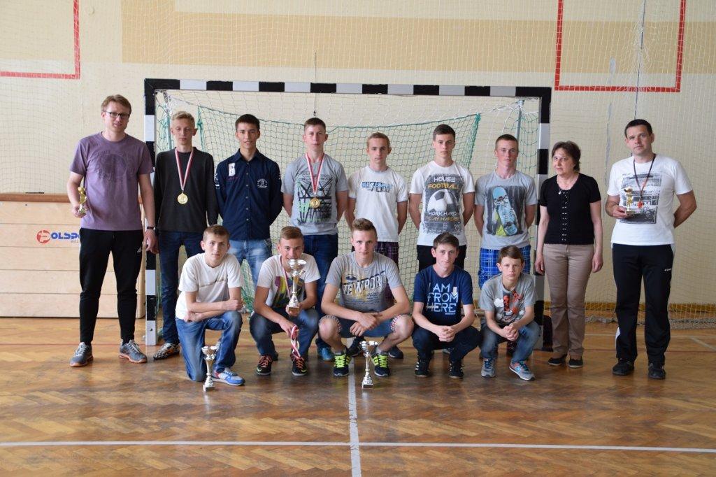 III B mistrzem Szkolnej Ligi Halowej Piłki Nożnej
