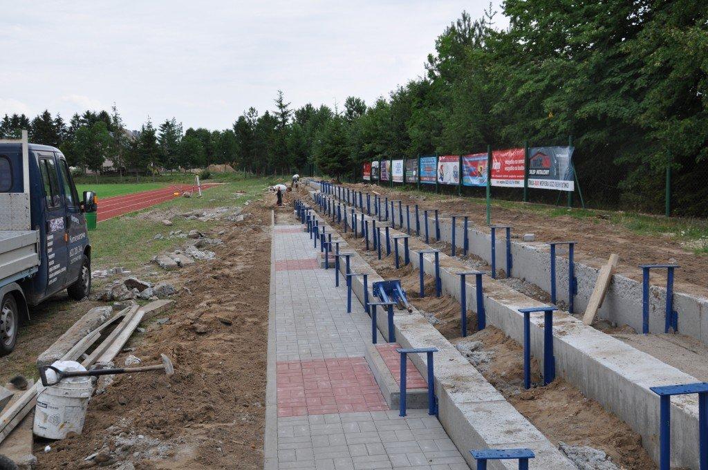 Na stadionie powstają nowe trybuny
