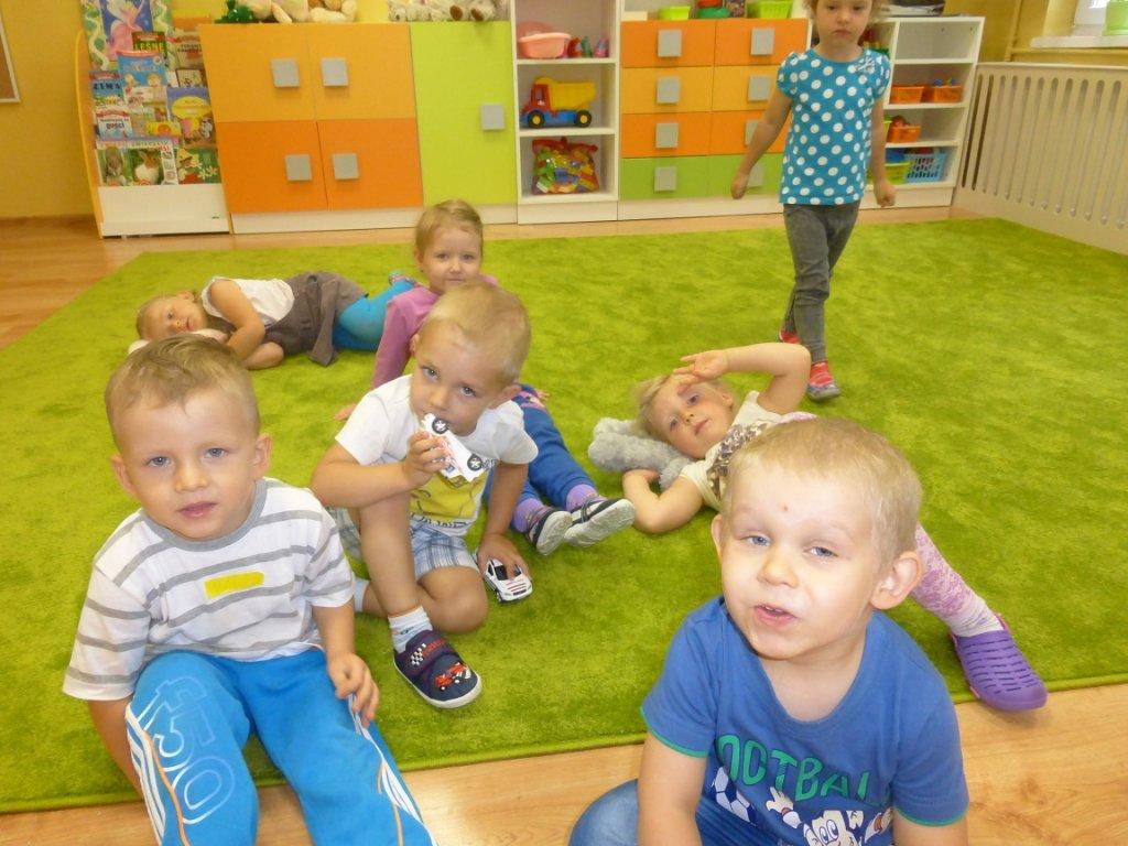 Dzieci poznawały przedszkole