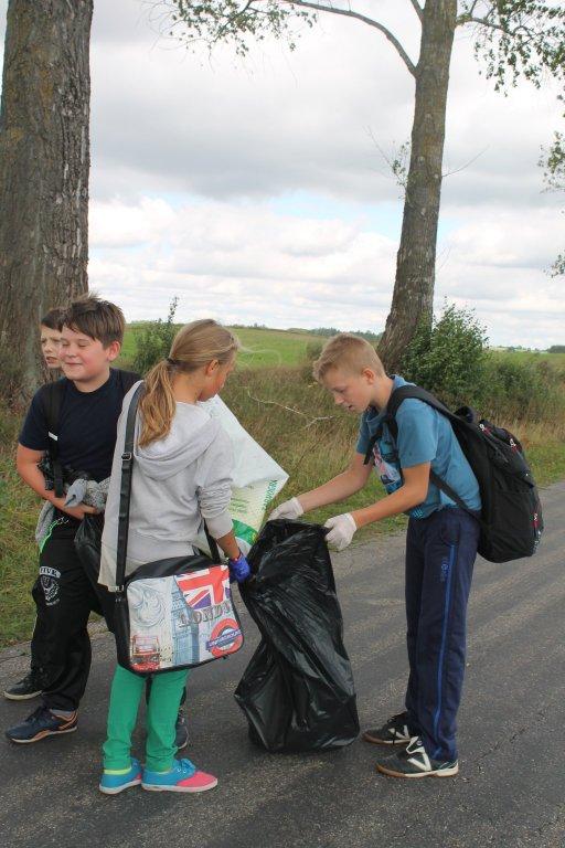 SP Jeglia: Kilometry dla Ziemi czyli finał Sprzątania Świata