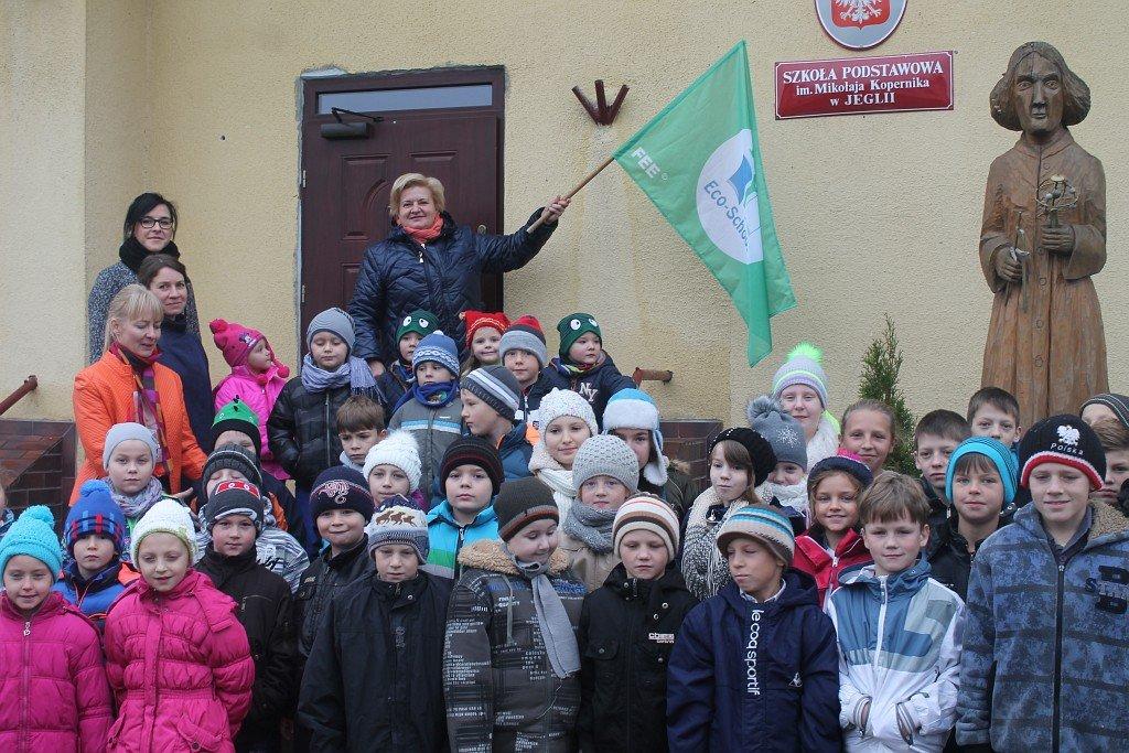 Certyfikat Zielonej Flagi dla Szkoły w Jeglii