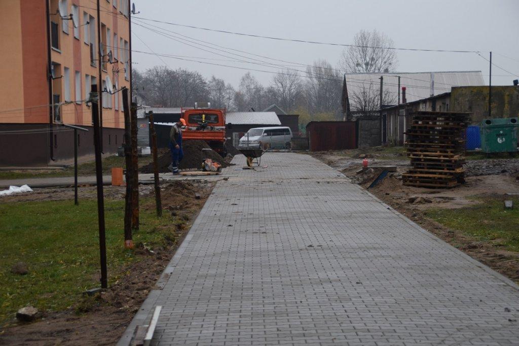 Koszelewy: Trwa budowa dróg osiedlowych