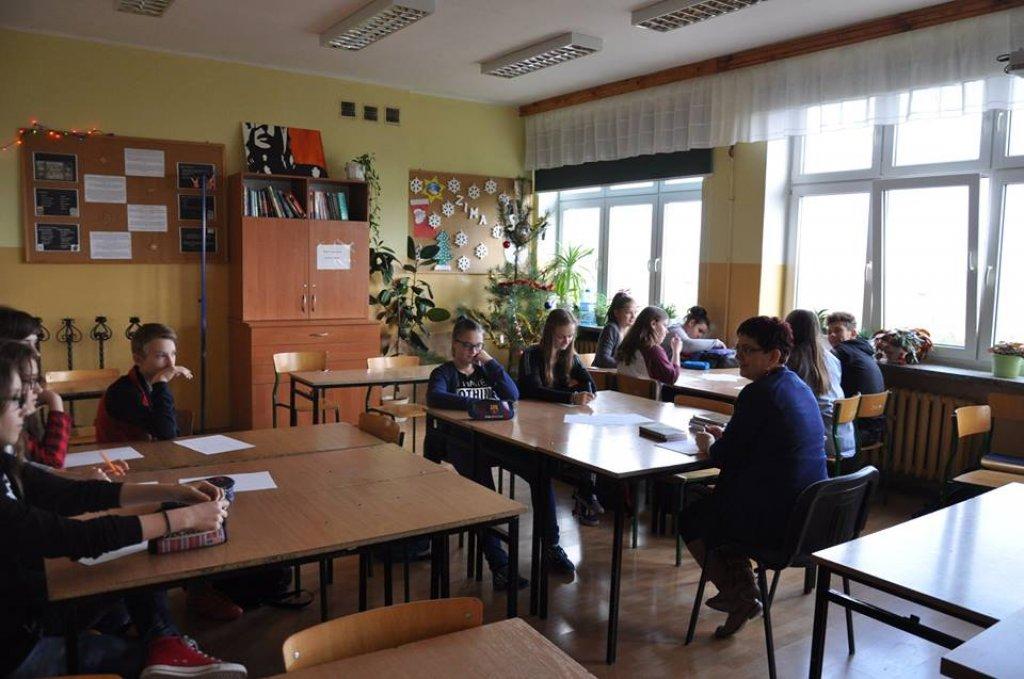 Warsztaty  Literackie - Prezent świąteczny poezji pełen…