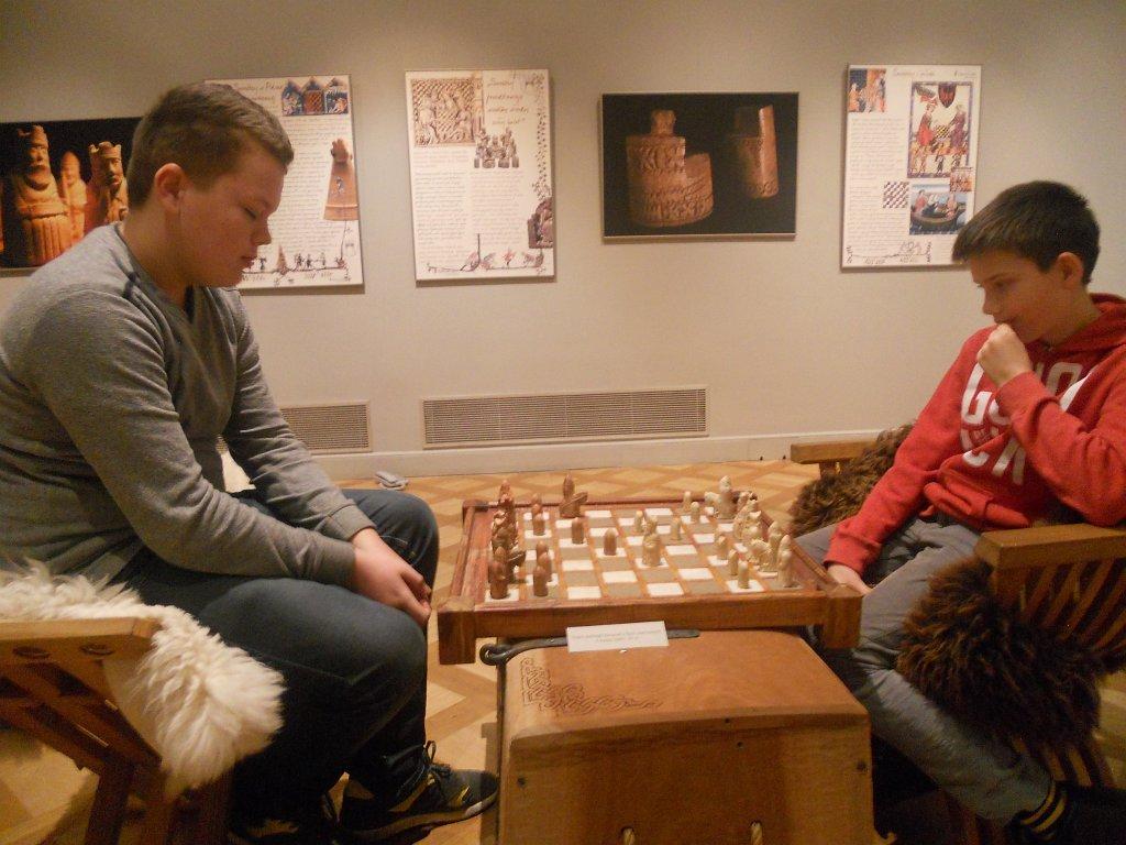 Wycieczka członków koła szachowego 'Szach-Mat' do Warszawy