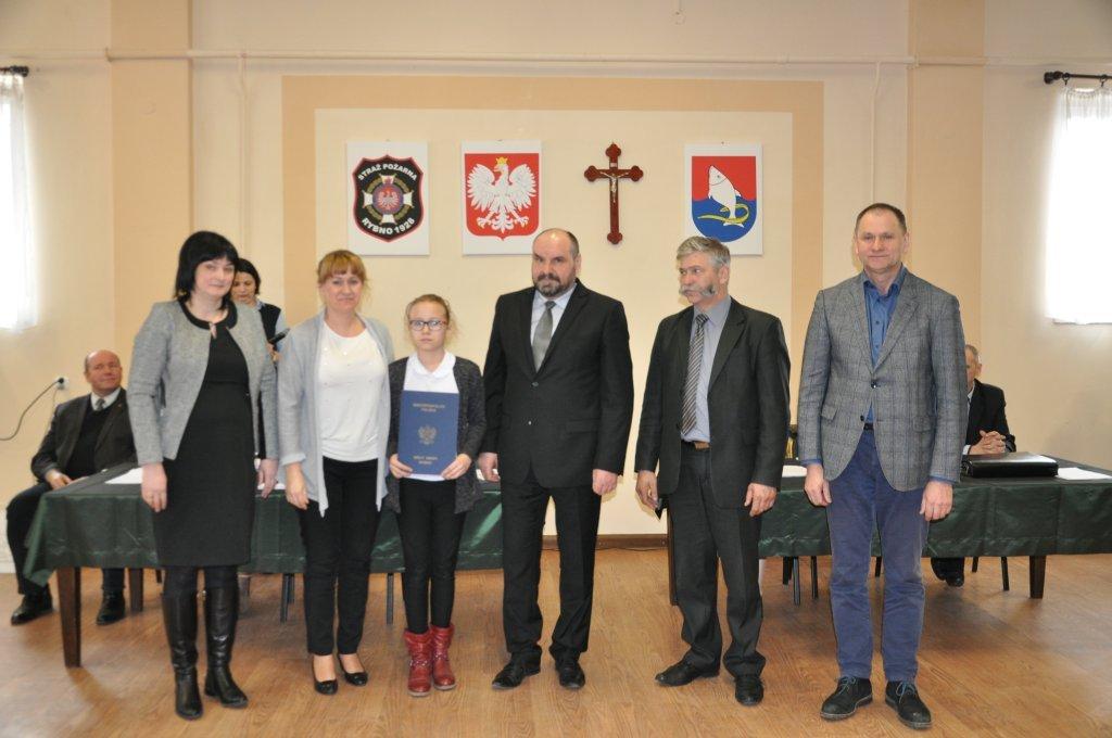Wykład dr Piotra Kardeli i wręczenie stypendiów naukowych na XXI sesji Rady Gminy Rybno
