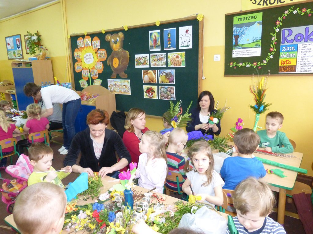 Przygotowania do Niedzieli Palmowej w Przedszkolu w Rybnie