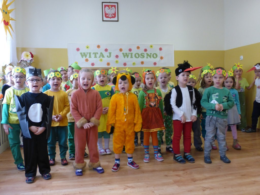 Przedszkolaki z Rybna witają wiosnę