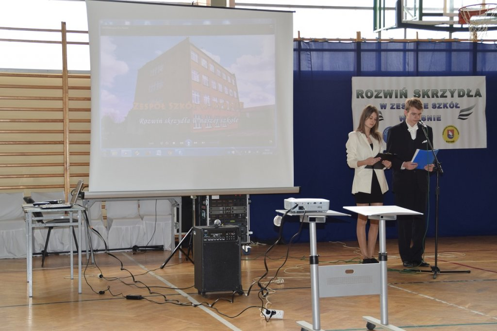 Gimnazjaliści z Dąbrówna i Hartowca w Zespole Szkół