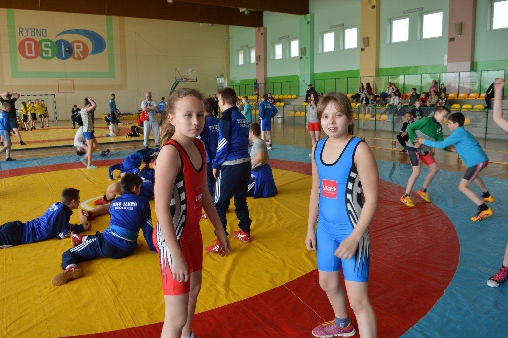 Wielki sukces uczniów z SP w Rumianie w zapasach