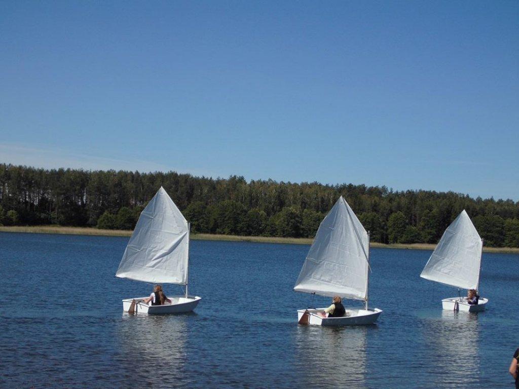'Ostro na wiatr' - żeglowanie w Hartowcu