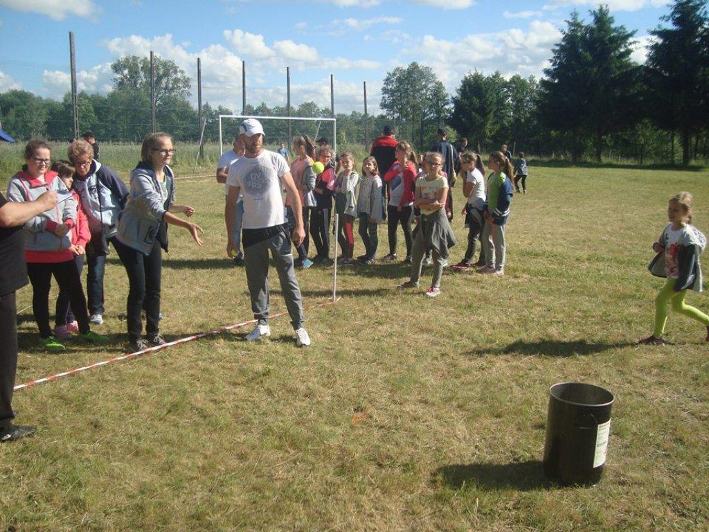 Rodzinny Dzień Sportu w Naguszewie i Groszkach