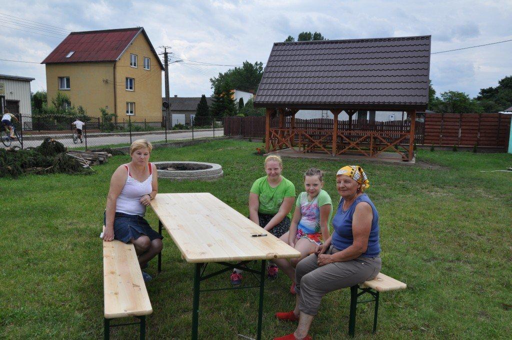 Zakupiono stoły z funduszu sołeckiego