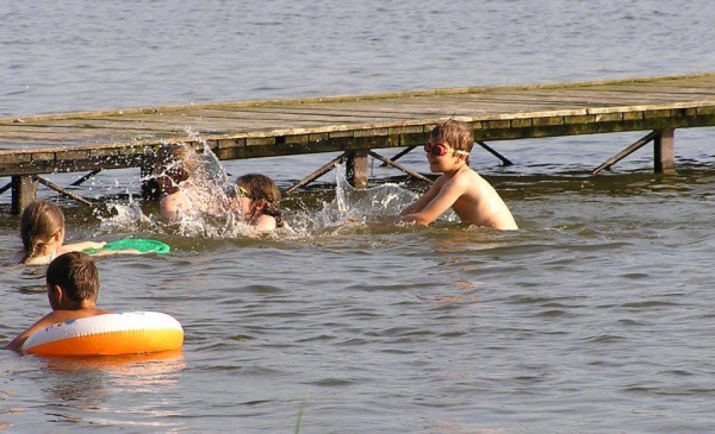 Woda w jeziorach jest przydatna do kąpieli