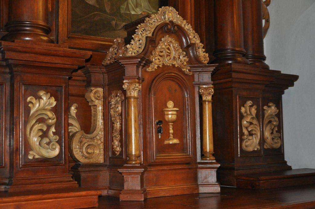 Koszelewy: odnowione ołtarze