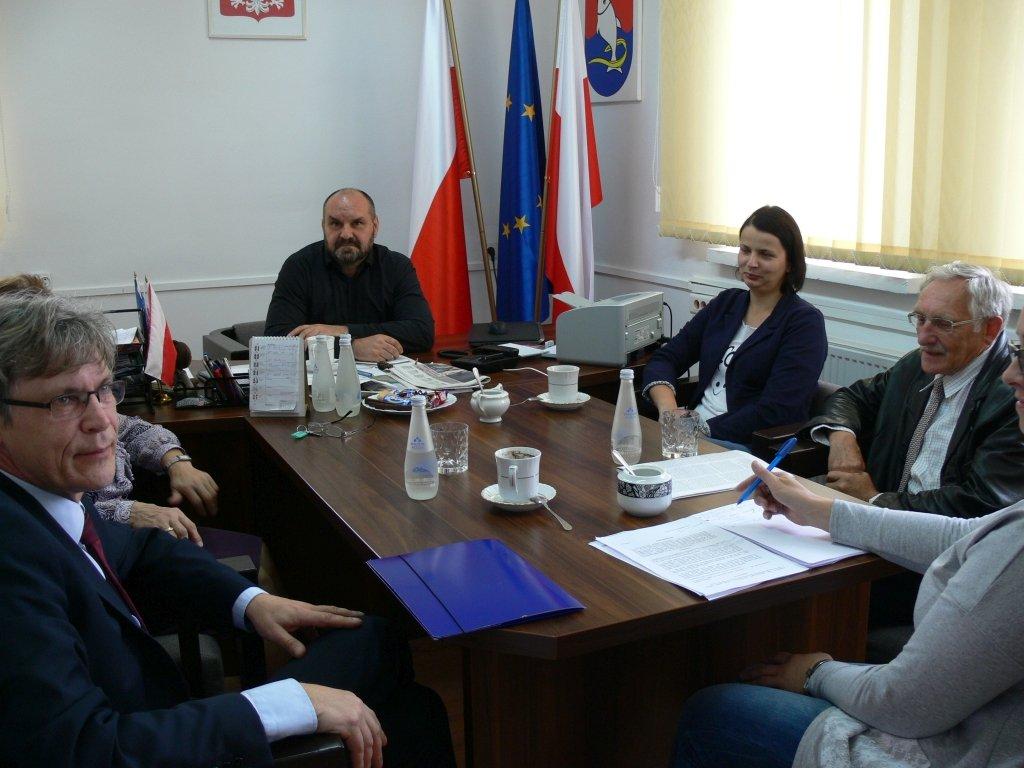 Decyzja środowiskowa w sprawie budowy 20 kurników w Gralewie Stacji, gmina Rybno najprędzej za rok