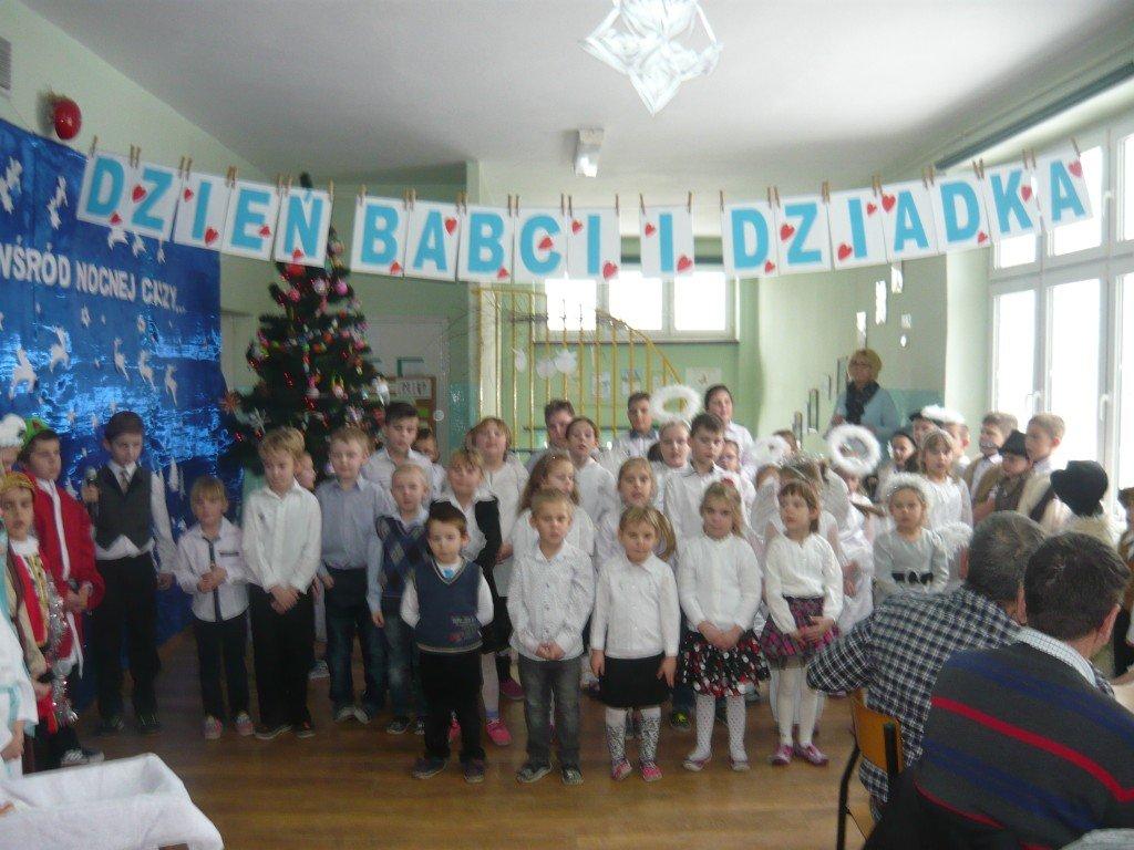 Dzień Babci i Dziadka w Szkole Podstawowej w Koszelewach