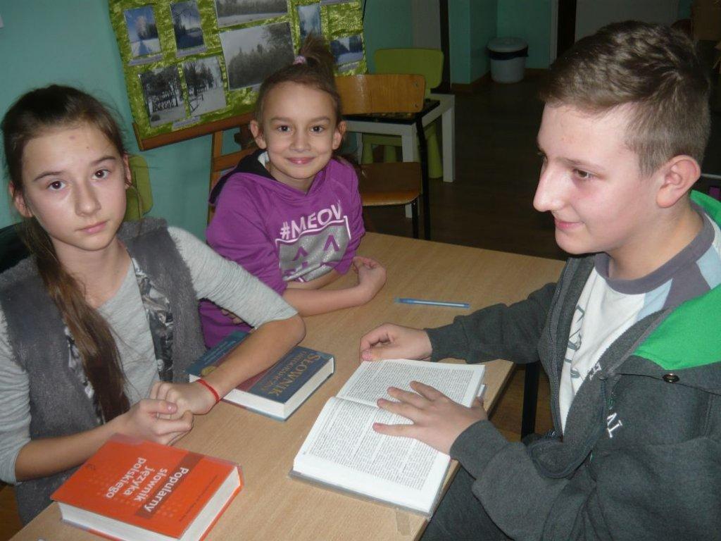 Zabawy z językiem polskim w SP w Koszelewach