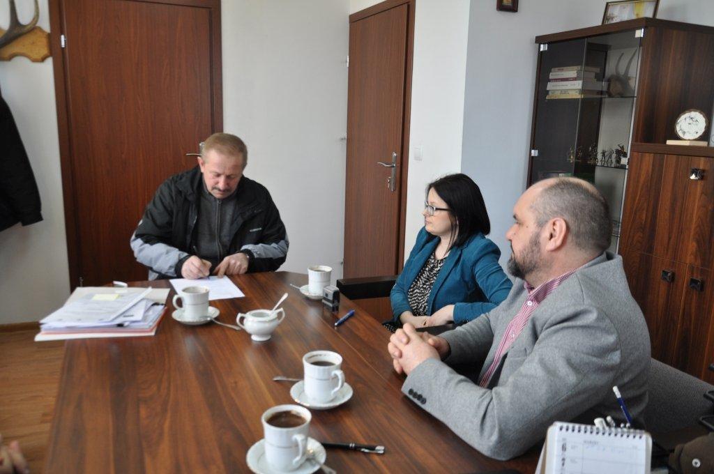 Umowa na przebudowę drogi w Koszelewach podpisana