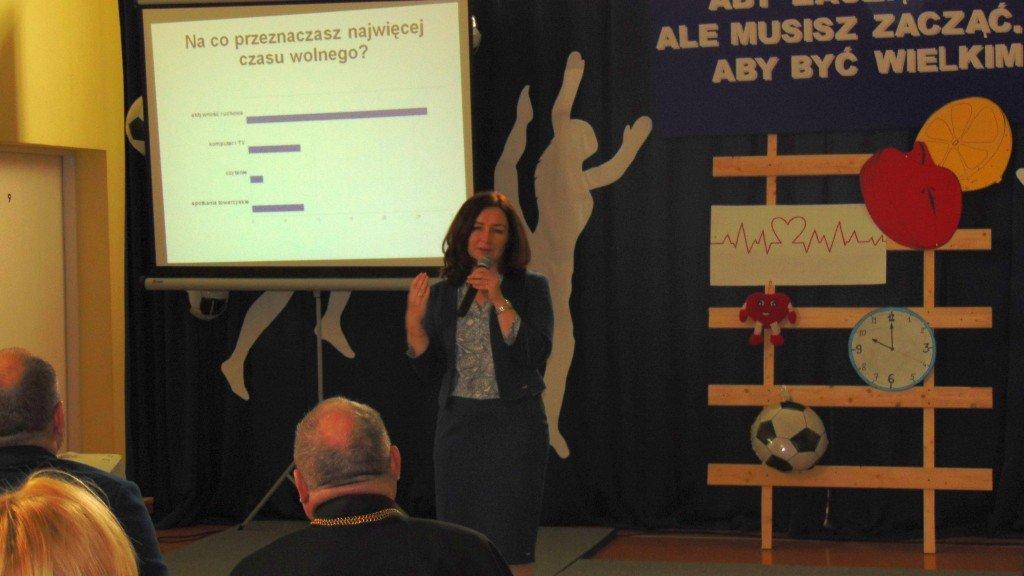 Otwarcie boiska trawiastego i III Seminarium naukowe w Szkole Podstawowej w Rumianie