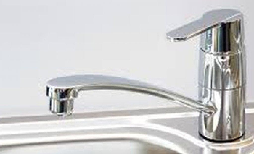 Samorządy apelują o złagodzenie parametrów jakościowych wody w wodociągach