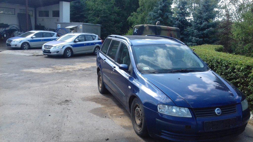 Policja przekazała gminie swoje samochody