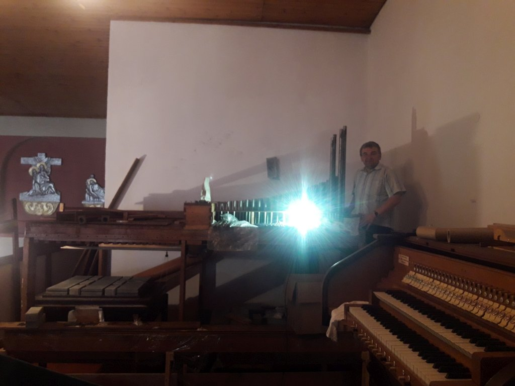 Rybno: trwa montaż organów w kościele parafialnym