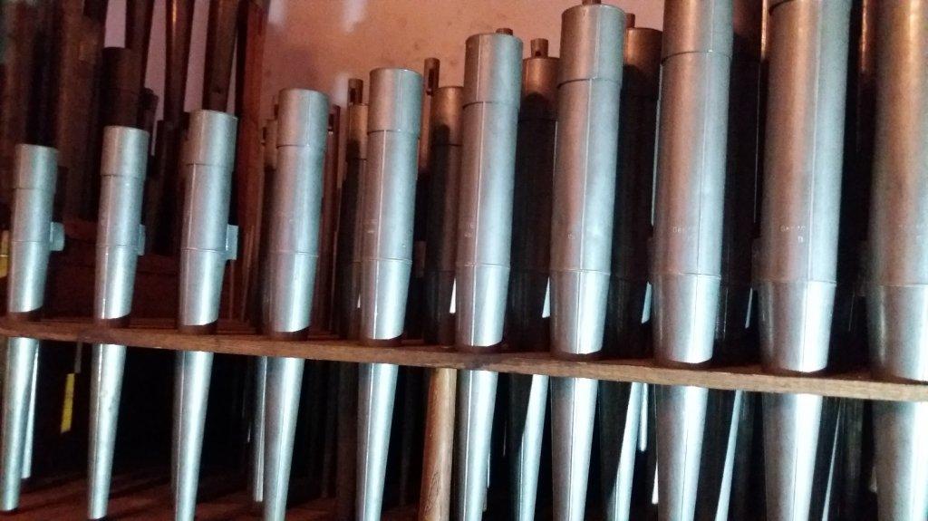 Rybno: Trwa montaż zabytkowych 27-głosowych organów