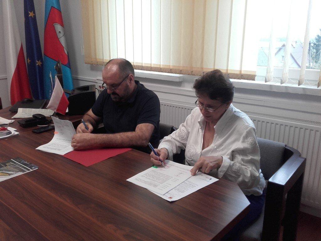 Podpisanie umowy na termomodernizację