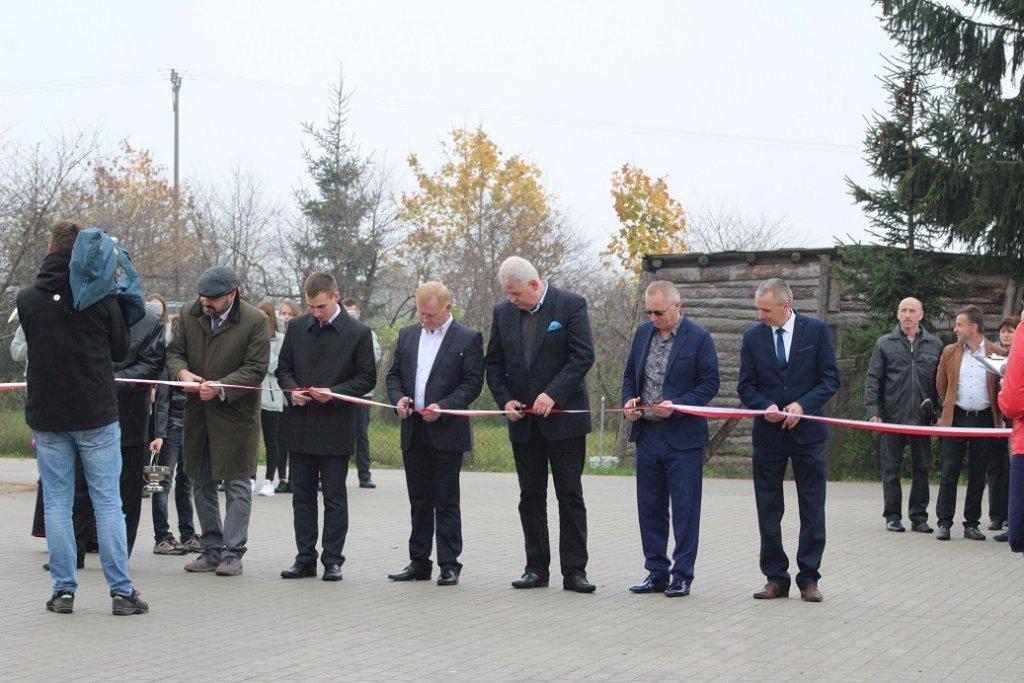Koszelewy: Uroczyste otwarcie nowych dróg
