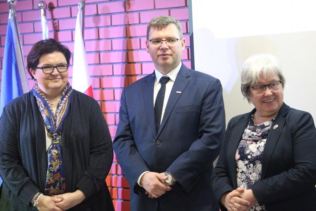 Dębień: Podsumowanie projektów 'Senior Bezpieczny 2017' oraz 'Seniorstars 2017'