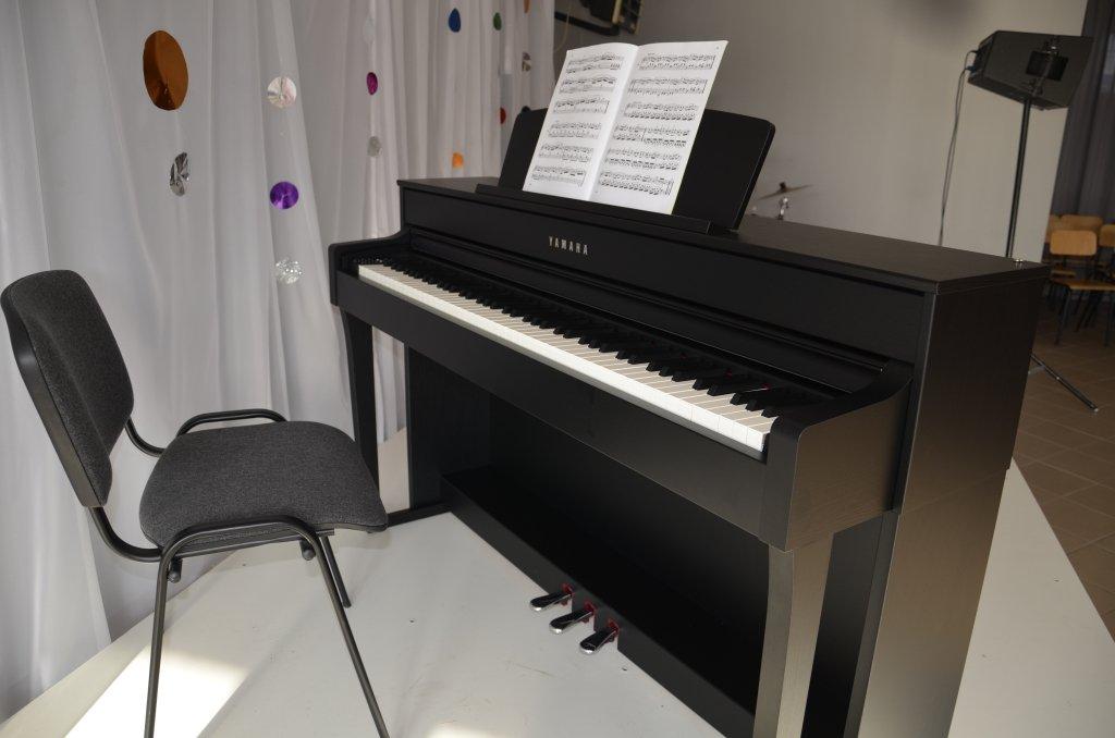 Biblioteka zakupiła pianino cyfrowe
