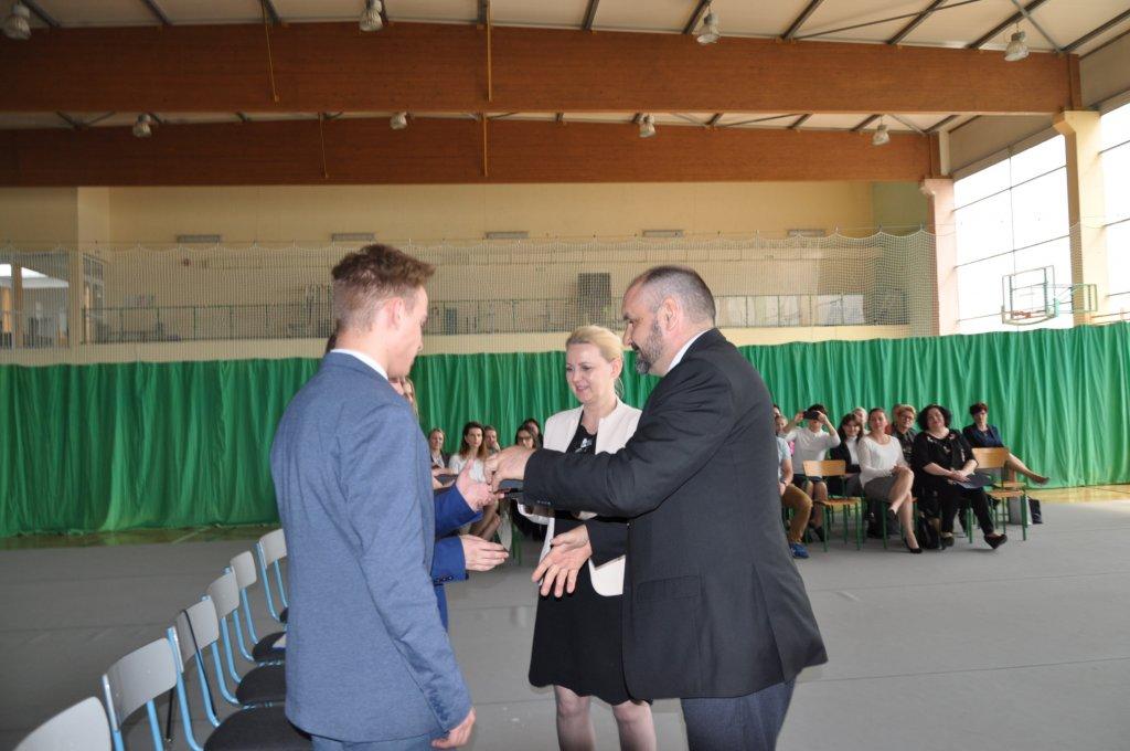 Koniec roku szkolnego dla maturzystów z Rybna